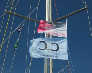 the Dutchess en Loup de Mer op 27 maart 2013, blue sky at full sea