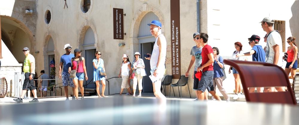 Tourists_DSC7539